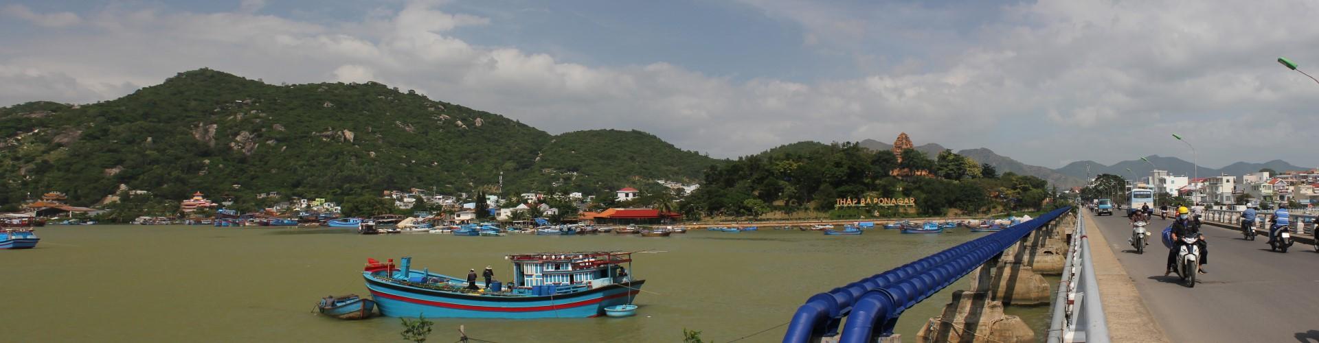 Blick auf den Fluss Sông Cái Nha Trang